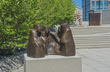 Eva Stubbs. Generation, 2013. bronze, #3, 96.5 x 125.5 x 78.5 cm. Collection of the Winnipeg Art Gallery; Commissioned from the artist; 2014-47.