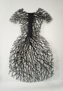Barb Hunt.root dress, 1994–1995.steel,203.2 x 114.3 cm.Collection of the Winnipeg Art Gallery;Acquired with the support of the Canada Council for the Arts Acquisition Assistance Program/Oeuvre achetée avec l'aide du programme d'aide aux acquisitions du Conseil des Arts du Canada and with funds from The Winnipeg Art Gallery Foundation Inc., G-96-13.